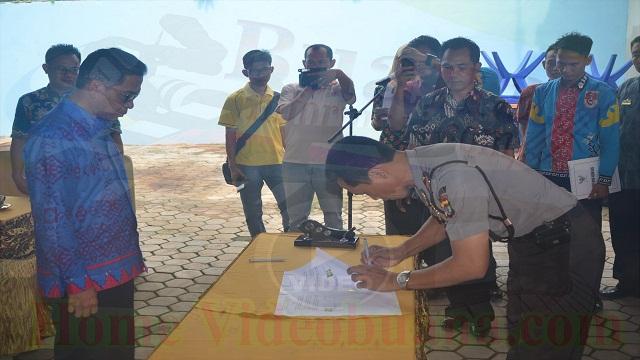 Penandatanganan NPHD Pengamanan dan Pengawasan Pemilukada Mesuji