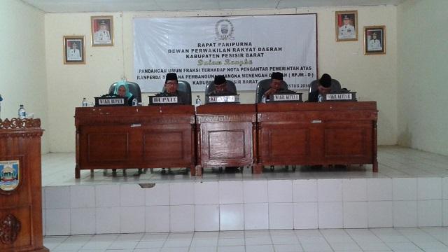 Rapat Paripurna DPRD Pesisir Barat