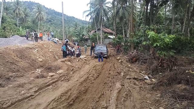 Pembangunan Jembatan Tugu Papak Hambat Aktifitas Masyarakat