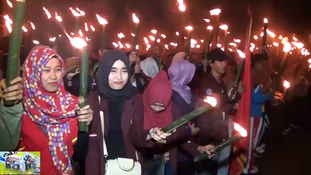 Ribuan Warga Lampura Antusias Semarakkan HUT RI Ke-71