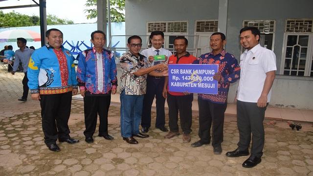 Gapoktan Panggung Rejo Terima Dana CSR Bank Lampung