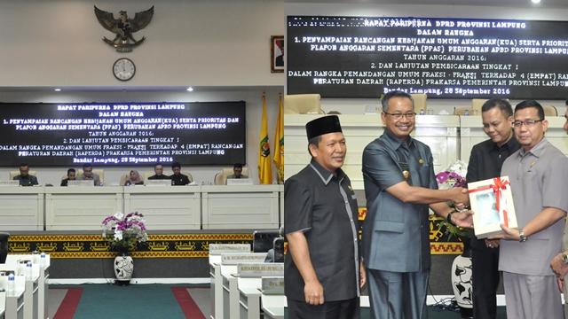 Gubernur Lampung Sampaikan Naskah Kupa
