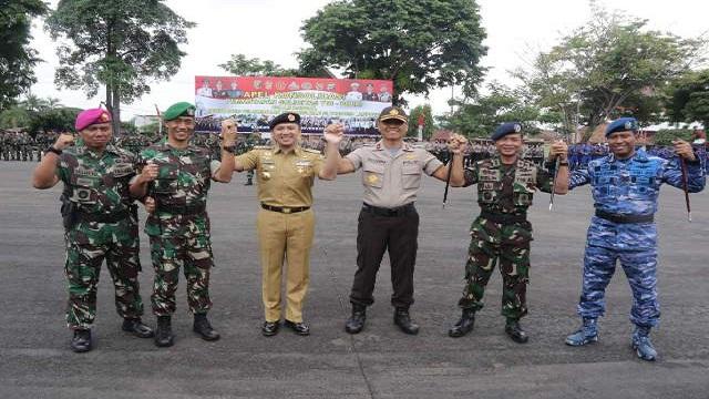 Gubernur Pimpin Apel Konsolidasi TNI-POLRI