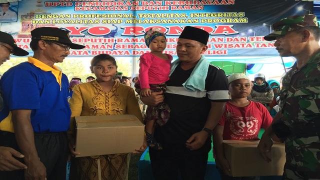 Pemkab Lampung Tengah Berikan Santunan Ke 300 Anak Yatim