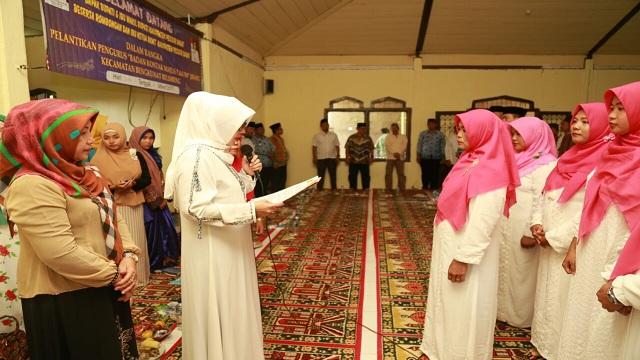 Septi Istiqlal Lantik Pengurus BKMT Kecamatan Bengkunat Belimbing