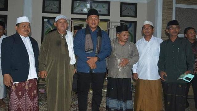 Kyai dan Seniman Siap Iringi Mustafa Maju Pilgub 2018