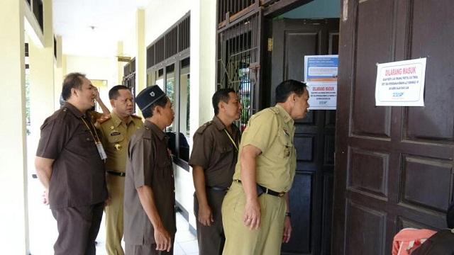 Tinjau Ujian, Pemprov Lampung Targetkan 50 % SMA dan MA Laksanakan UNBK 2018