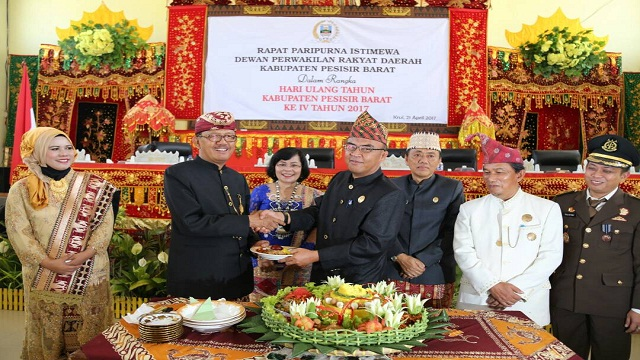 DPRD Gelar Rapat Istimewa HUT Ke -4 Kabupaten Pesisir Barat