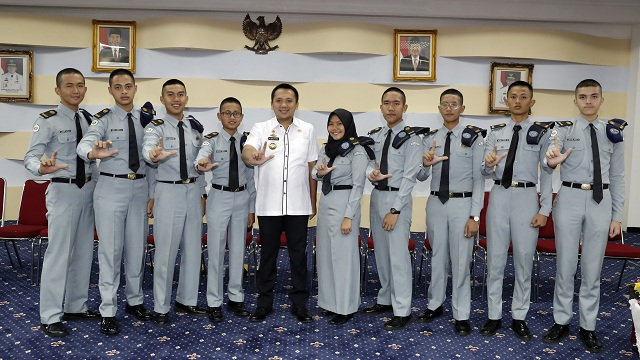 Gubernur Terima Audiensi Perwakilan Siswa-Siswi SMA Taruna Krida Nusantara