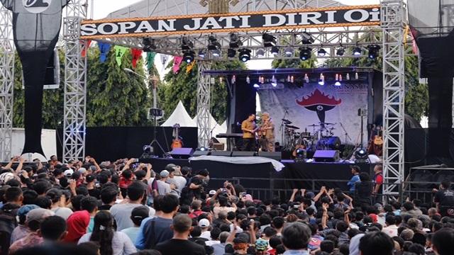 Ribuan Masyarakat Lampung Padati Konser Munas OI