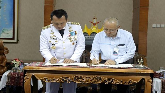 Gubernur Lampung dan GM PLN Teken Kerja Sama Penyaluran Listrik Desa