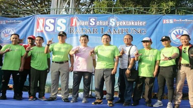 Jalan Sehat Spektakuler, Gubernur Lampung Bagikan Dorprize, Umroh Gratis Serta Hadiah Ratusan Juta