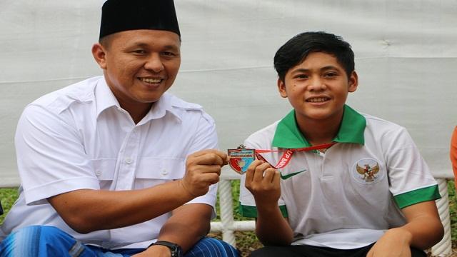 Rio Pelajar Asal Lampung Tengah Siap Wakili Indonesia Di ESP Entry Soccer Profesional