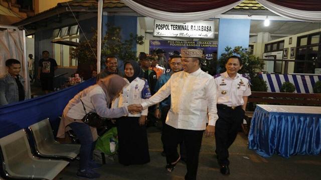 Tinjau Stasiun KA dan Pol Damri, Gubernur Lampung Minta Pemudik Tak Takut Masuk Terminal Rajabasa