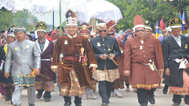 Maju Pilgub, 9 Marga Penyimbang Adat Lampung Tengah Dukung Mustafa